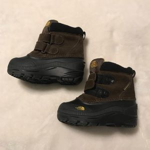 The North Face Chilkat boots